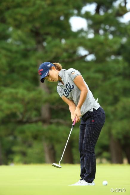 出だしで入れたいバーディーパットだったけれど。 2015年 日本女子オープンゴルフ選手権競技 3日目 上田桃子の写真詳細2015年 日本女子オープンゴルフ選手権競技 3日目 上田桃子