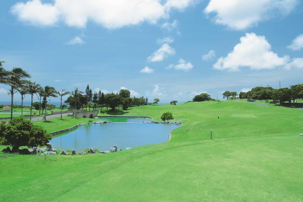 沖縄県・パームヒルズゴルフリゾート