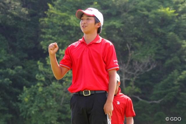 2014年 日本アマチュアゴルフ選手権 決勝戦 小木曽喬 16ホール目の18番でパーパットを沈め、ガッツポーズを作った