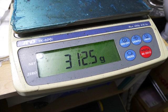 マーク試打 つるや GOLDEN PRIX X9 ドライバー 純正シャフト(S)で総重量は312gと、市販品としては重めの設定だ