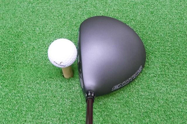 マーク試打 ツアーエッジ XCG7 ドライバー ヘッドの投影面積は大きくオーソドックスな丸形形状で構えやすい