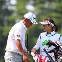 急遽出場が決まった高橋は、福島出身の女子プロの妻と、二人三脚で好発進 2014年 ダンロップ・スリクソン福島オープンゴルフトーナメント 初日 高橋竜彦