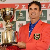 1打差で逃げ切ってツアー初優勝を果たしたグレゴリー・マイヤー(提供:日本プロゴルフ協会) 2014年 マルハンカップ 太平洋クラブ シニア 最終日 グレゴリー・マイヤー