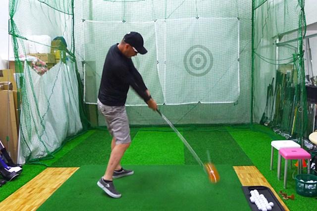 マーク試打 コブラ Bio CELLドライバー 米国ブランドだが、シャフトの硬さなどは日本人ゴルファーに合わせて設計されているので安心だ