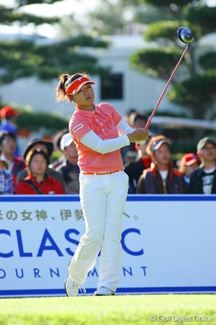 有村智恵 有村智恵は首位と2打差の6位タイ。まだまだ優勝を狙える圏内だ