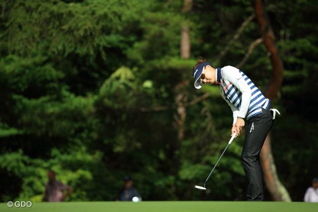 2014年 NEC軽井沢72ゴルフトーナメント 初日 金ナリ ショットもパットも良かったという金ナリが7アンダーで単独首位に立った