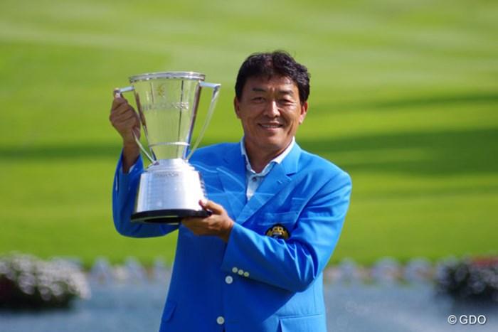 昨年は、最終日の猛チャージで優勝戦線に名乗りを挙げた羽川豊が、激闘のプレーオフを制して優勝を飾った 2014年 ファンケルクラシック 事前 羽川豊