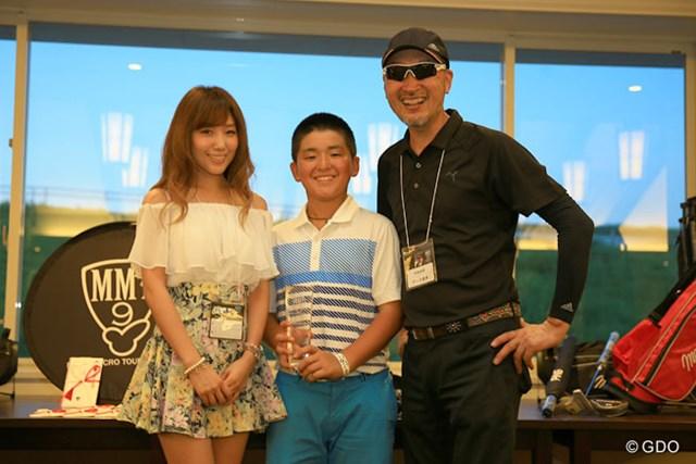 アマチュア部門で優勝を飾った村上豊駿クン。2011年の世界ジュニア7歳~8歳の部で優勝した実力者だ