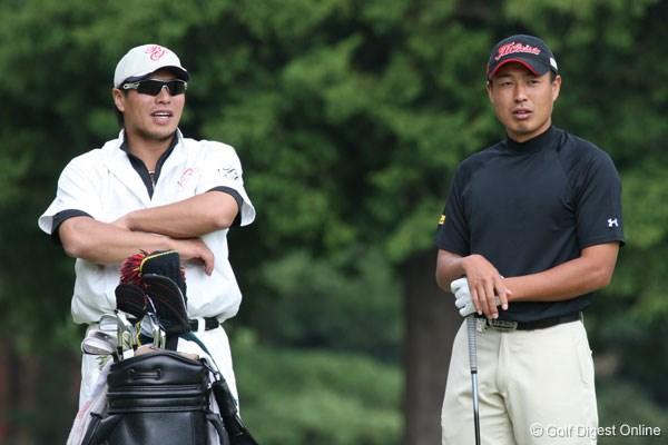 メジャーリーグで活躍する岩村明憲が谷口拓也のキャディを務める 谷口 ...