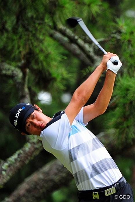 ガッチリ系の体格が多い韓流プレーヤーの中にあって、細身の体で飄々とプレーしはる人です。5位T 2014年 アールズエバーラスティングKBCオーガスタゴルフトーナメント  初日 ジャン・ドンキュ