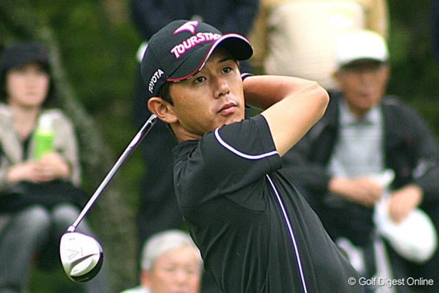 通算4アンダーで首位タイに躍り出た近藤智弘