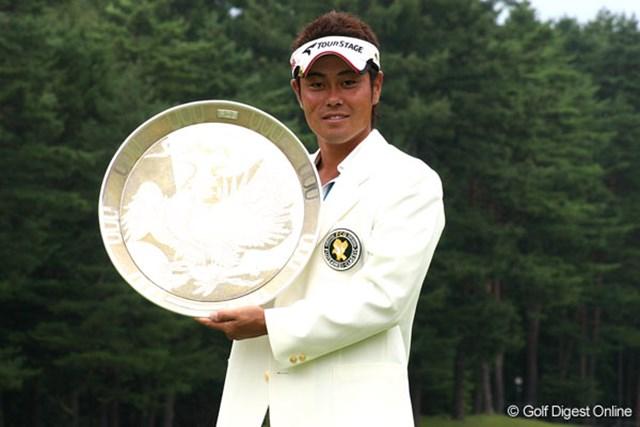 今季初勝利を達成した谷原秀人。石川遼にプロの意地と強さを示した!