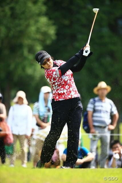 2014年 ゴルフ5レディスプロゴルフトーナメント 2日目 山本薫里 みんながスコアを伸ばす中、3つスコアを伸ばし7アンダー6位Tと粘ってます