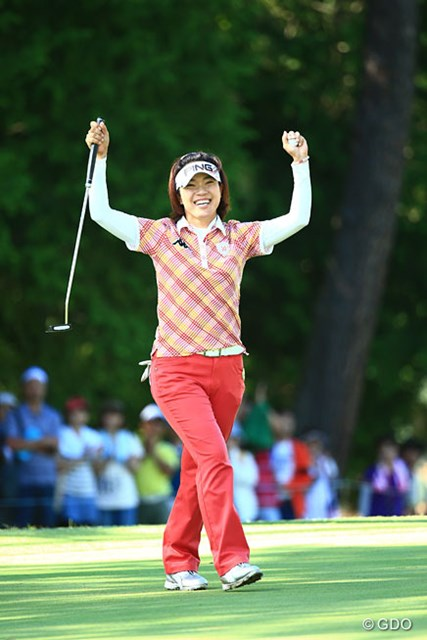 2014年 ゴルフ5レディスプロゴルフトーナメント 最終日 大山志保 お年頃とは言え「まだまだ若手選手には負けません!」。明るいニュースは当面ゴルフの方で・・・