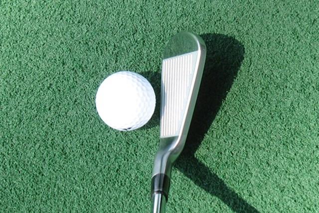 ボールの上がりやすさ、ミスヒットに強いなど機能性が充実したヘッド