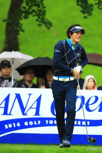 2014年 ANAオープンゴルフトーナメント 初日 石川遼 ティショットでフェアウェイを捕らえられず苦戦しながらも暫定14位タイにつけた石川遼