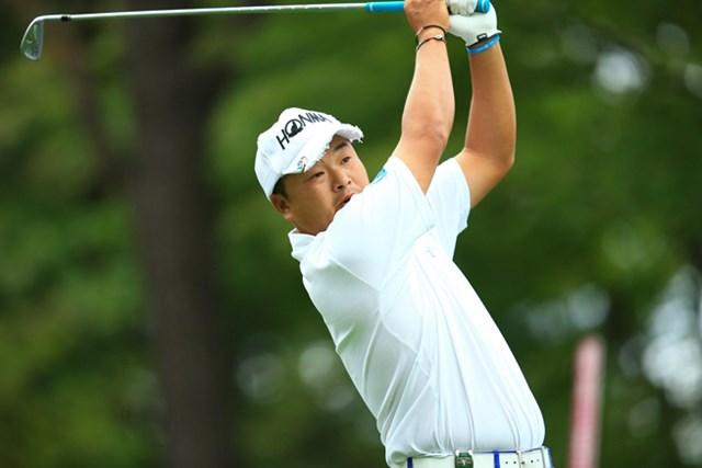 2014年 ANAオープンゴルフトーナメント 初日 小田孔明 最後はダッシュしてホールアウトした小田は連覇に向けて好スタート