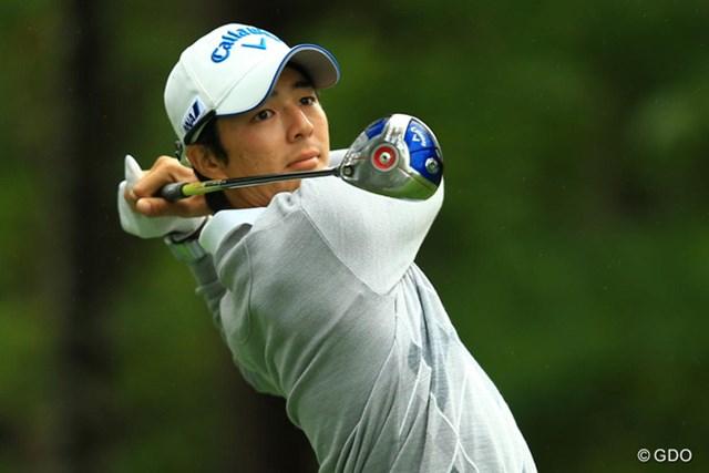 第2ラウンド直前の練習でショットの調整を図った石川遼。 19位タイで決勝ラウンドを迎える