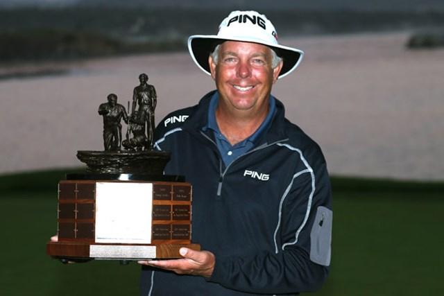大会史上初の3連覇をかけてペブルビーチに乗り込むK.トリプレット (Stephen Dunn/Getty Images)