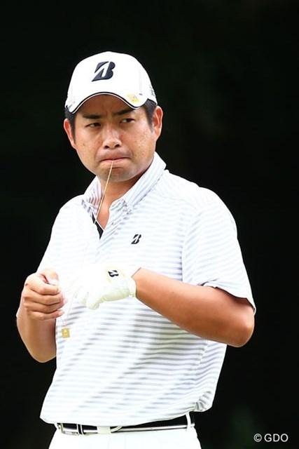 2014年 アジアパシフィックオープンゴルフチャンピオンシップ ダイヤモンドカップゴルフ 3日目 池田勇太 何をしてるのかな?