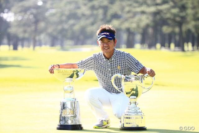 2014年 アジアパシフィックオープンゴルフチャンピオンシップ ダイヤモンドカップゴルフ 最終日 藤田寛之 逆転で今季3勝目を飾った藤田寛之。賞金ランキングトップに浮上した