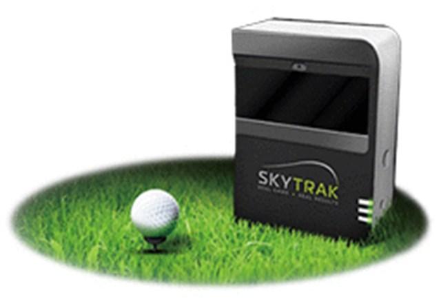 手軽に使える最新鋭ゴルフ弾道測定機『SkyTrak』