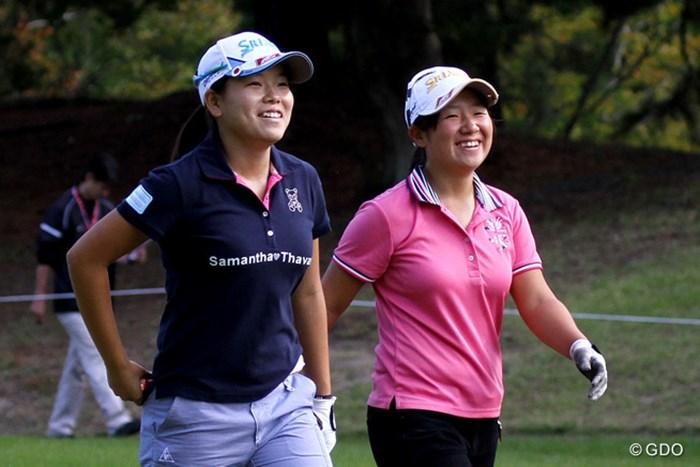 同年代で仲良しの橋本千里と練習ラウンドをこなした勝みなみ 2014年 日本女子オープンゴルフ選手権競技 事前 勝みなみ&橋本千里