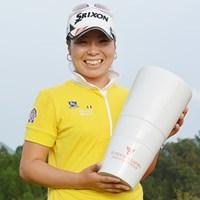 2日間ノーボギーでプロ初優勝を果たした槇谷香※日本女子プロゴルフ協会 2014年 フンドーキンレディース 最終日 槇谷香