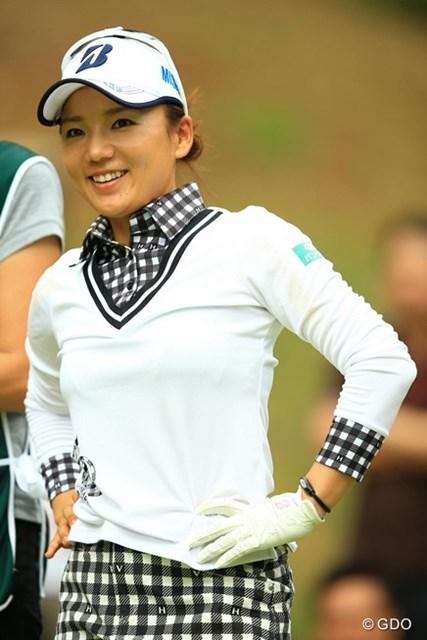 2014年 日本女子オープンゴルフ選手権競技 2日目 有村智恵 スコアを5つ伸ばし、一気に抜き去り首位へ!今日は強い智恵ちゃんの雰囲気、出まくりでしたね。