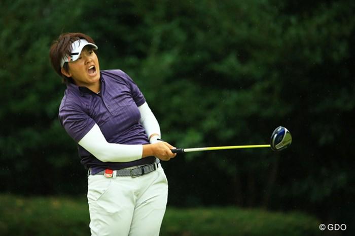 ユンジェさん、得意の雄叫び!っと思ったら、ティショットを曲げて、気合の入った「ファーーーーー!!!」でした。 2014年 日本女子オープンゴルフ選手権競技 最終日 ウェイ・ユンジェ