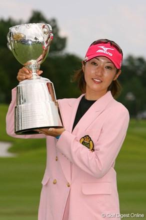 飯島茜が2週連続優勝で、自身初の国内メジャータイトルを獲得!