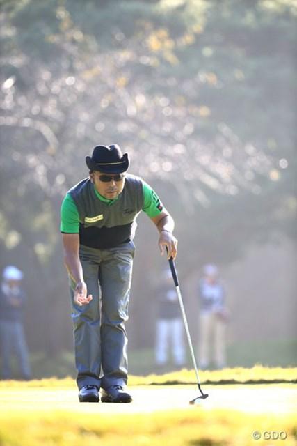 2014年 日本オープンゴルフ選手権競技 2日目 片山晋呉 お決まりのルーティーンで