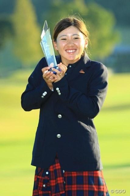 日本女子オープンに続けてローアマ獲得です。いやぁ、いつ見ても愛らしい笑顔です。