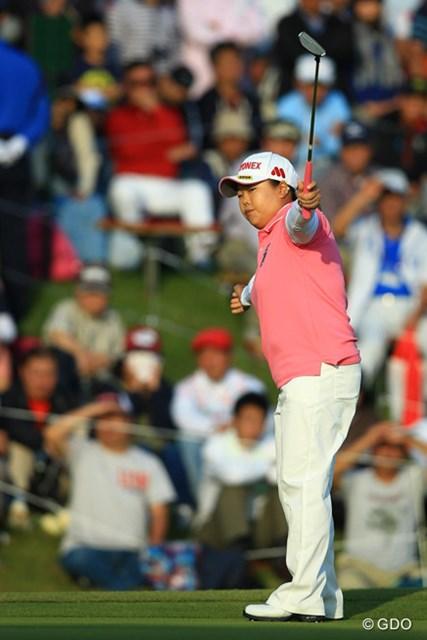 2014年 富士通レディース 最終日 アン・ソンジュ 通算18勝目を果たしたアン・ソンジュが最速で生涯獲得6億円を突破した