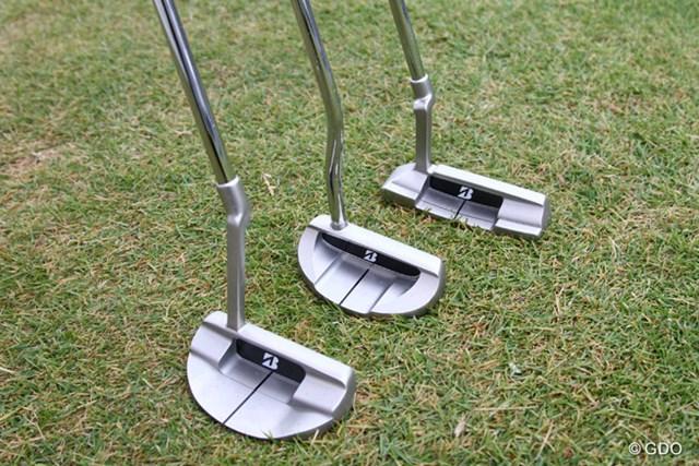 2014年 ブリヂストンオープンゴルフトーナメント 事前 (手前から)「TD-01」「TD-02」「TD-03」 「BRIDGESTONE GOLF」ブランドの新パターは、(手前から)「TD-01」「TD-02」「TD-03」の3種類を用意