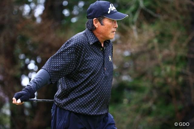 2014年 ブリヂストンオープンゴルフトーナメント 初日 尾崎将司 右手のグローブは痛いのかなそれとも寒いのかな?