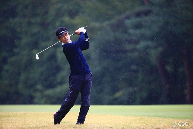 2014年 ブリヂストンオープンゴルフトーナメント 初日 竹谷佳孝 2位発進を決めた竹谷佳孝。雨中のラウンドで持ち味のショートゲームが光った