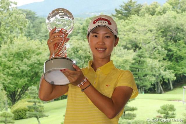 上田桃子 今季3勝目達成とともに、賞金ランキングでもトップに躍り出た上田桃子
