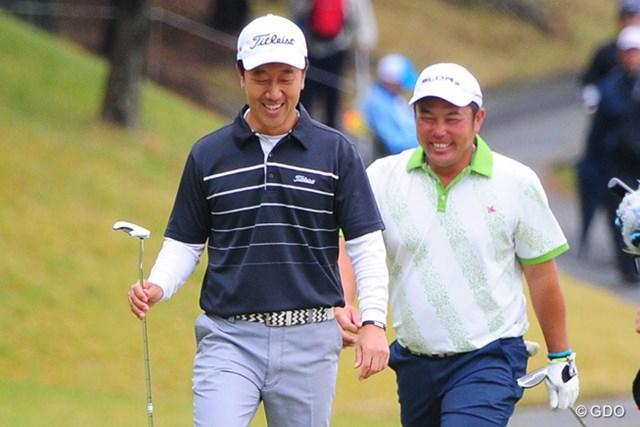 2014年 マイナビABCチャンピオンシップゴルフトーナメント 3日目 小田龍一 S.K.ホ 通算12アンダーとした小田龍一(右)とS.K.ホが首位に並んだ