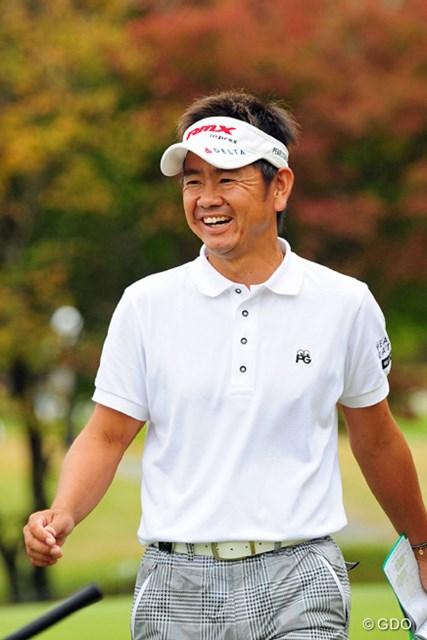 2014年 マイナビABCチャンピオンシップゴルフトーナメント 3日目 藤田寛之 スコアは伸ばせなかったものの、思いっきり笑顔でラウンドする藤田君。なんかエエ事あったんでしょうか?