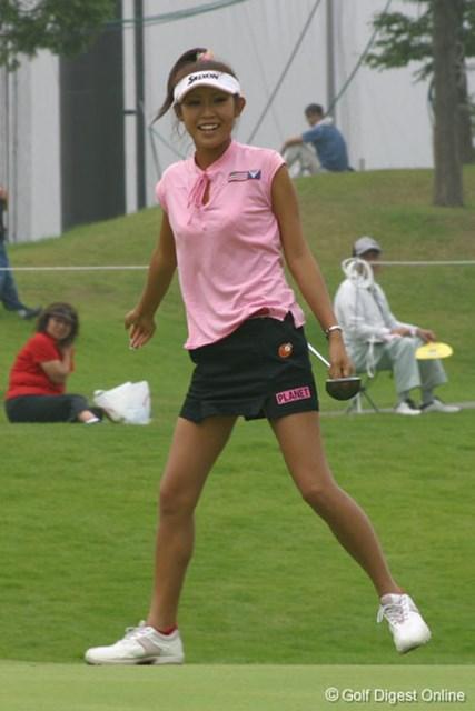 金田久美子 最終18番で4メートルのバーディパットを沈め、快心のラウンドを締めた金田久美子