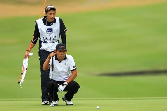 2014年 富士フイルムシニアチャンピオンシップ 初日 高橋勝成 初日に5アンダーをマークして単独首位の好スタートを切った高橋勝成(画像提供:日本プロゴルフ協会)