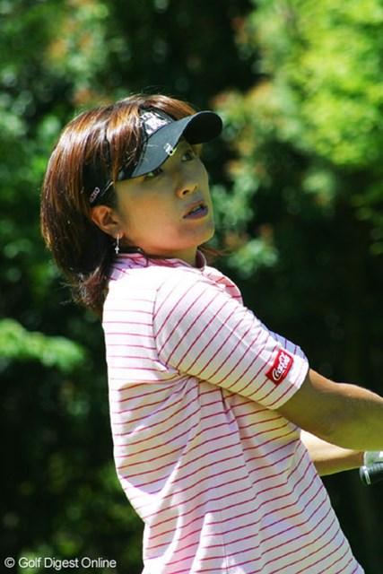 福嶋晃子 この日のベストスコアタイ「 68」をマークし、2 位タイまで急浮上した福嶋晃子