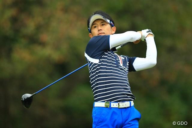 5位から出た近藤共弘が、通算15アンダーで首位に浮上した