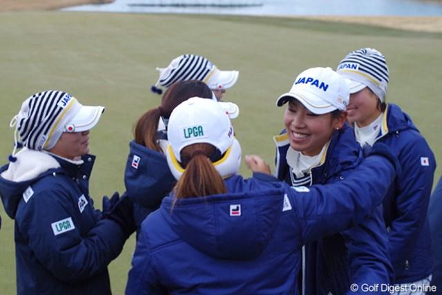 2014年「日韓女子プロゴルフ対抗戦」出場メンバー全26選手が決定 ここまで3勝6敗1引き分けと劣勢を強いられてきた日本チーム、今年は笑顔が見られるか!?※画像は2012年大会