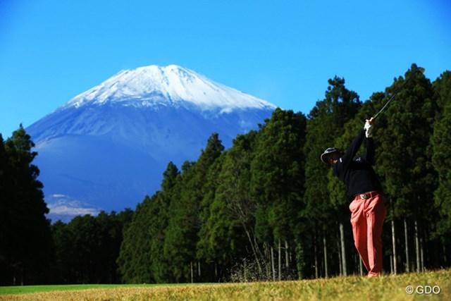 2014年 三井住友VISA太平洋マスターズ 初日 石川遼 6番2ndショットの写真が遼くんの定番ですなぁ