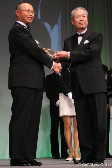 谷口徹 賞金王の重圧の中で戦い抜いた2007年シーズンを終え、会場では晴れやかな笑顔が目立った