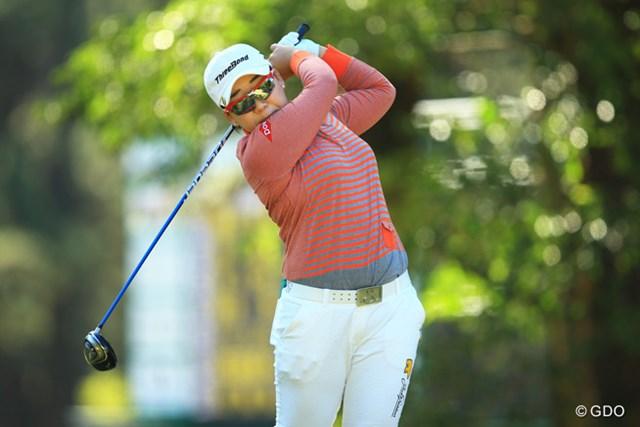2014年 LPGAツアー選手権リコーカップ 初日 申智愛 ニチレイレディス、meijiカップ、ニトリレディス、マンシングレディースの年間4勝で1億円越え。賞金ランキング3位で出場。1アンダー9位タイスタートです。