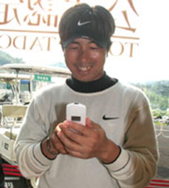 深堀圭一郎 携帯電話には愛娘の写真がギッシリ。目尻を下げっぱなしの深堀圭一郎