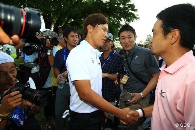 2014年 日本ゴルフツアー選手権 森ビルカップ Shishido Hills 最終日 竹谷佳孝&イ・サンヒ まさかの決着となったメジャー第2戦。竹谷佳孝とイ・サンヒの間にも微妙な空気が漂っていた